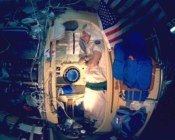 thagard in his sleep station in mirs core module